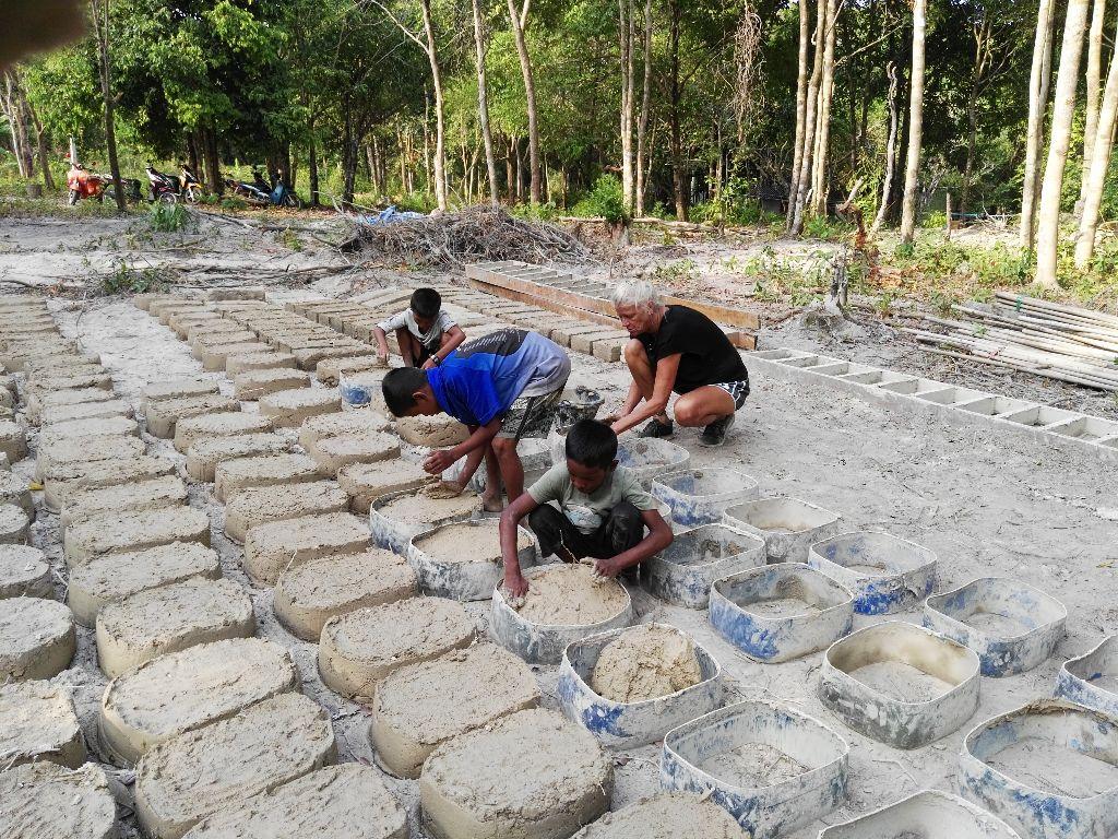 Seriál dobrovolnictví v zahraničí: Stavba školy v Thajsku